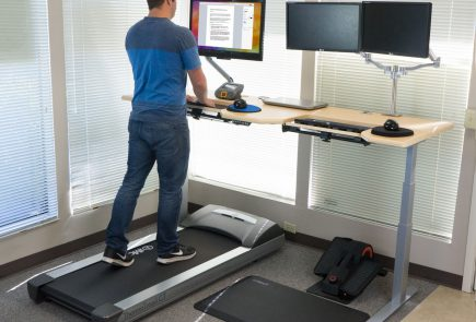 How To Set Up An Ergonomically Proper Desk Cycle Work
